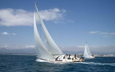 63 Catamarán o monocasco