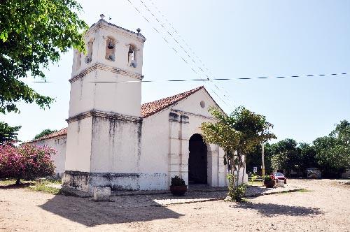 La Iglesia San Antonio de Padua, en el corregimiento de Badillo, Valledupar, pertenece a la parroquia La Concepción en la Capital del Cesar; los habitantes del pueblo piden que sea reparada.  Joaquín Ramírez/ El Pilón