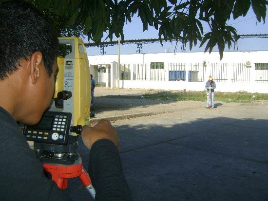 Comenzaron los estudios previos para la remodelación del estadio 'Armando Maestre Pavajeau' Foto: Joaquín Ramírez/EL PILÓN