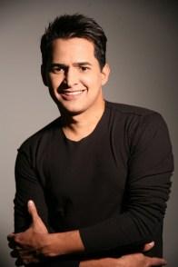 Aquí aparece Jorge Celedón en la caratula del disco 'Excelente' donde Jorge Celedón acompañó a Daniel Celedón y Mélida Yara, en la canción 'Drama provinciano'.