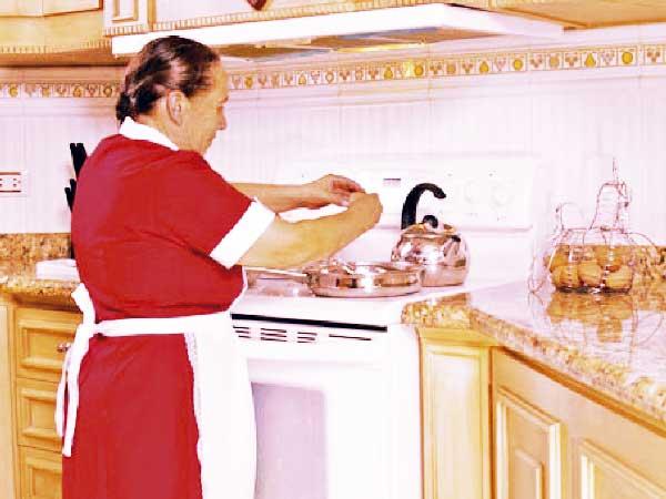 Este año, el presidente de la República estableció la obligatoriedad del pago de la prima de servicio a empleados y empleadas domésticas, conductores familiares y mayordomos.
