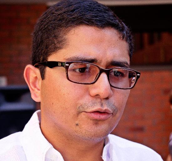El representante a la Cámara, Cristian Moreno Villamizar, dijo que la pobreza se acaba con obras de infraestructura que solucionen los problemas que genera la misma.