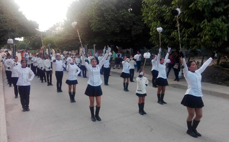 La banda marcial de InstitutoPedro CastroMonsalvo, Instpecam, integrada por 75 integrantes, le hace falta dotación de uniformes e instrumentos. Suministrada/EL PILÓN