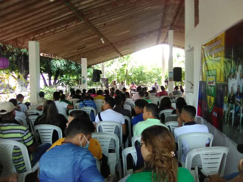 La comunidad de los barrios que pertenecen a esta comuna asistió al foro realizado sobre las JAC y la participación de los jóvenes.