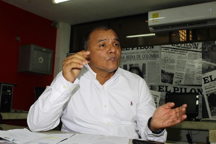 El director encargado del Sena, seccional Cesar, Ernesto Acevedo Soto, promociona la convocatoria nacional de formación titulada del año 2019.  Joaquín ramírez/EL PILÓN