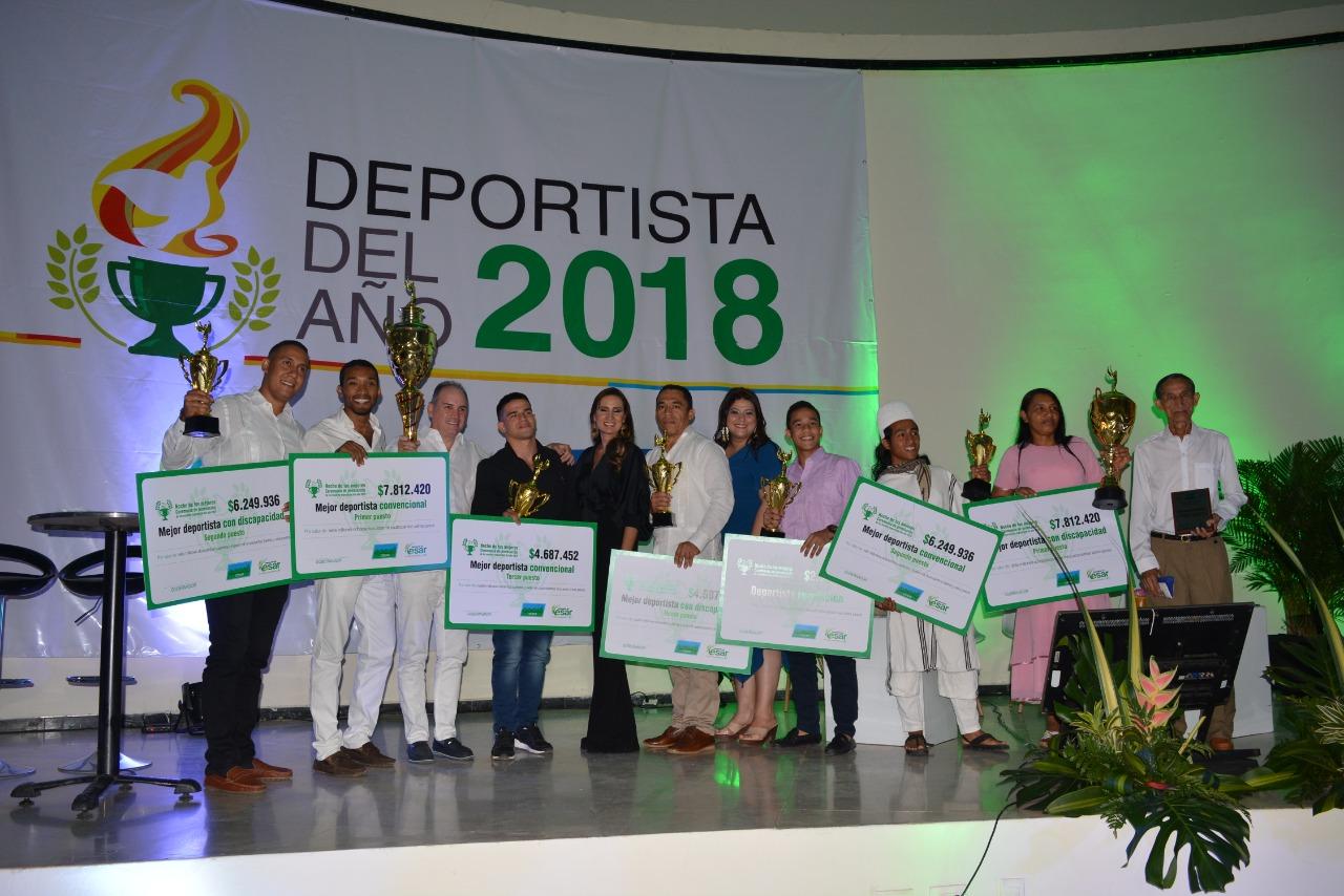 Este fue el cuadro de honor de los ganadores en la noche de los mejores deportistas del año 2018, premio que entrega Acord Cesar.   Foto: Joaquín Ramírez.