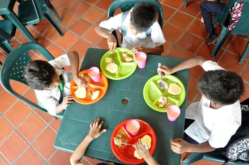 Toda vez que la alimentación escolar es un tema prioritario, los entes de control solicitan se agilice el proceso de adjudicación del PAE.  Foto: Joaquín Ramírez.