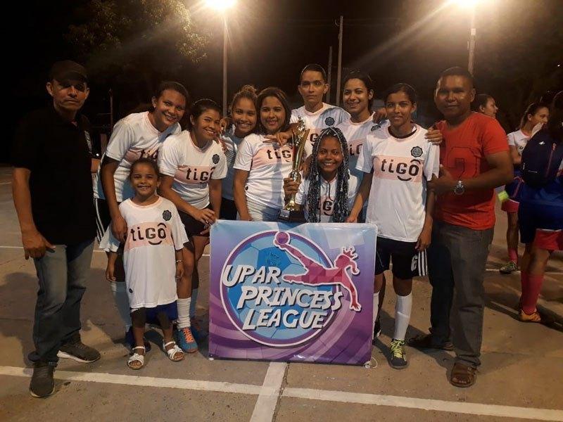 Deportivo Crecer se llevó el título de la segunda versión del torneo Upar Princess League, realizado en el 2018.  FOTO: ARCHIVO