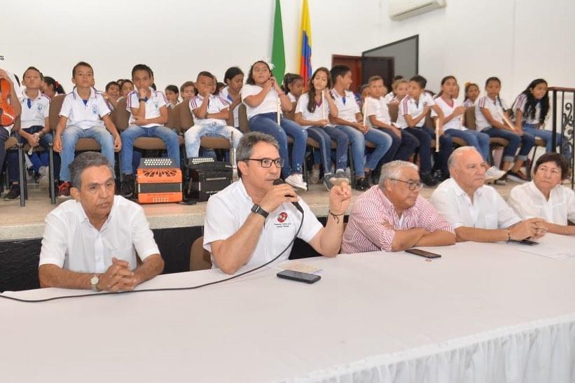 La socialización del proyecto se realizó en las instalaciones del Colegio Nacional Loperena y contó con la participación de la población estudiantil y padres de familia.   CORTESÍA.