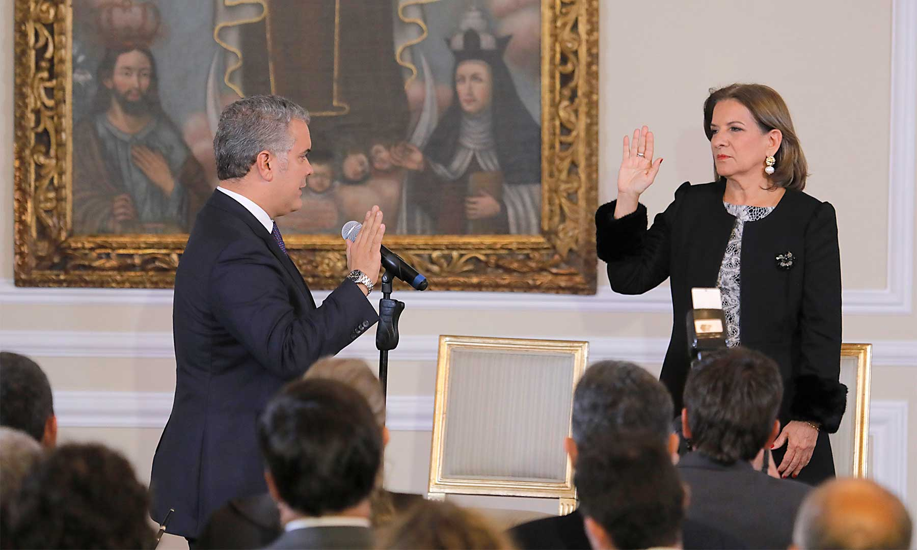 El Presidente de la República, Iván Duque Márquez,  toma juramento a la abogada Margarita Cabello Blanco, quien hoy asumió el Ministerio de Justicia y del Derecho.  CORTESÍA PRESIDENCIA DE COLOMBIA