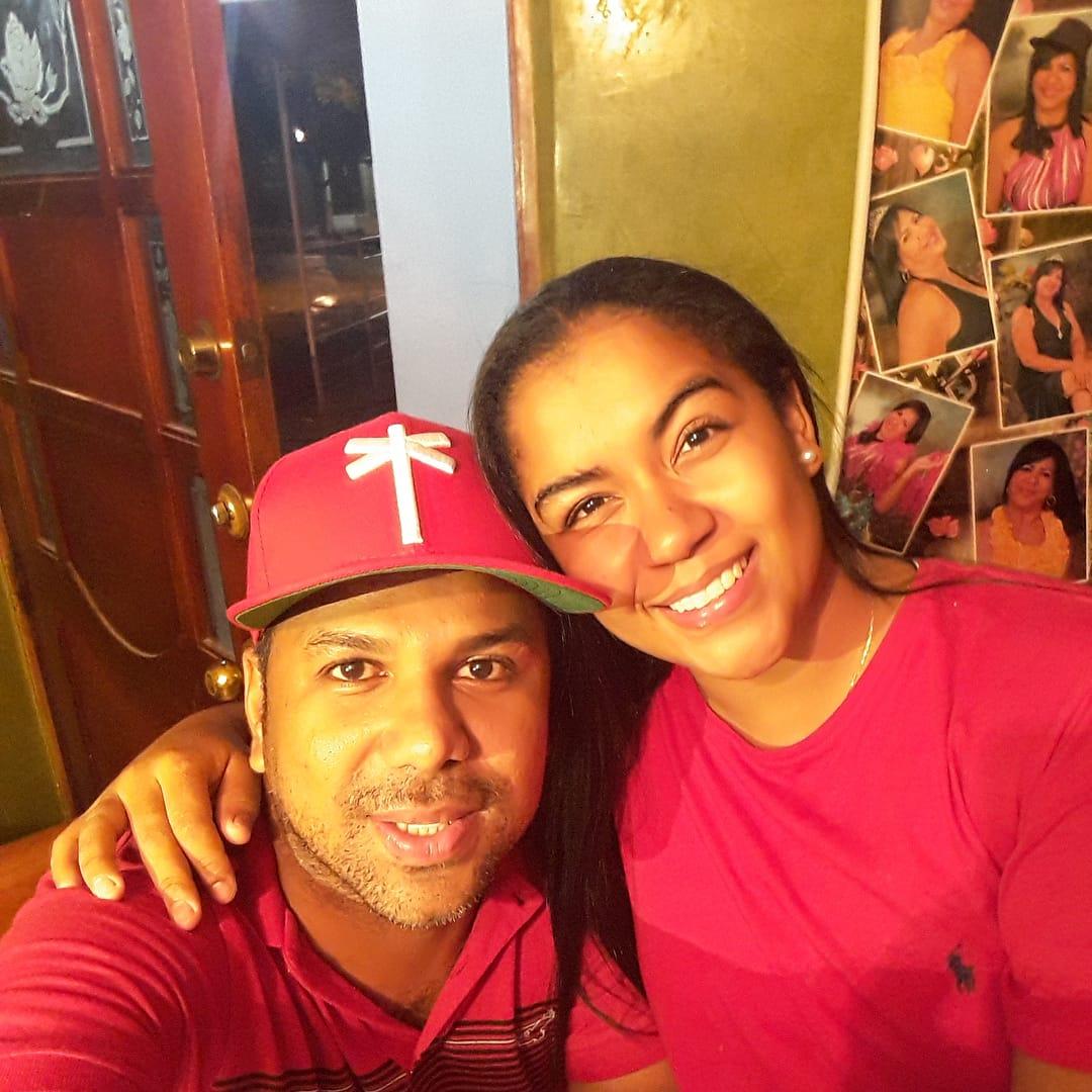 Diomedes Dionisio y su hermana Indira Isabel Flórez.   Foto: @diomedesdionisiodiaz3