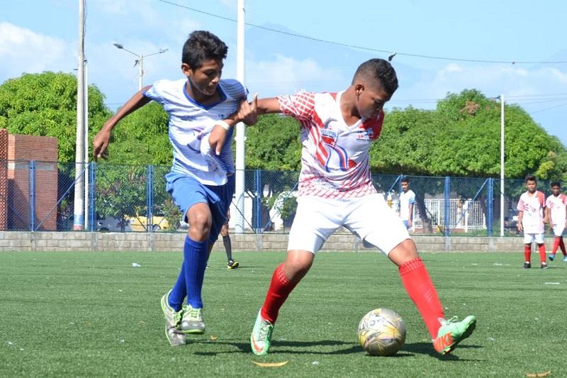 Niños y adultos de los corregimientos de Valledupar compiten en este torneo.