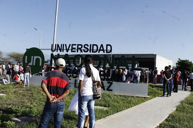 La estampilla en mención no gravará los contratos de prestación de servicios.  FOTO: JOAQUÍN RAMÍREZ