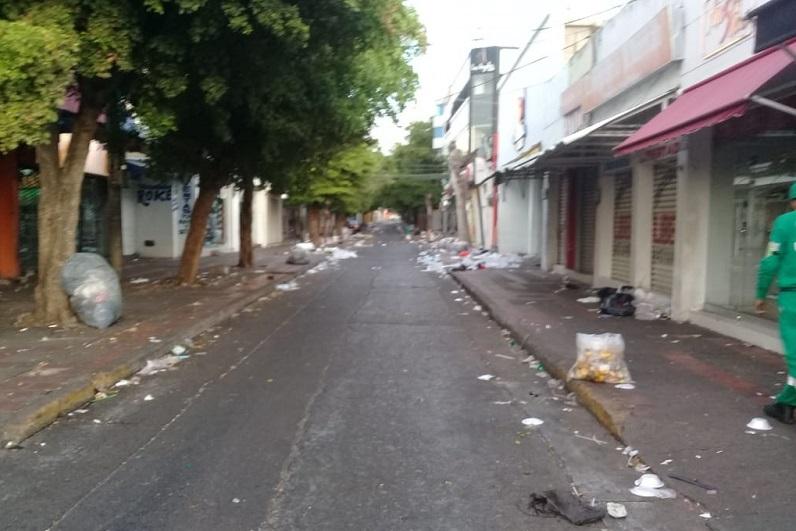 La carrera séptima, según los operarios de la empresa Interaseo, fue una las rutas con mayor  cantidad de basura a diferencia del año 2019.  FOTO/NAMIEH BAUTE BARRIOS.