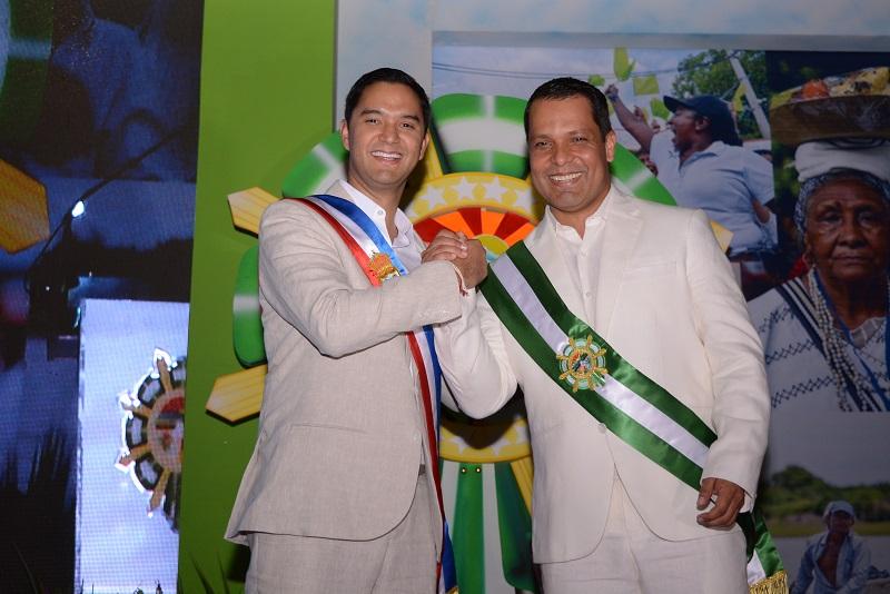 En la plaza de banderas de la Gobernación del Cesar tomaron posesión Mello Castro González y Luis Alberto Monsalvo para el periodo 2020 - 2023.   FOTO/SERGIO MCGREEN.