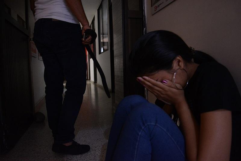 Por violencia contra la mujer se entiende cualquier acción u omisión que le cause muerte, daño o sufrimiento físico, sexual y psicológico que provoque una baja calidad de vida a una ciudadana.    FOTO/SERGIO MCGREEN.