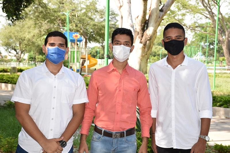Estos fueron los beneficiados con prácticas profesionales en el Ministerio de Vivienda.   Foto: Cortesía/EL PILÓN