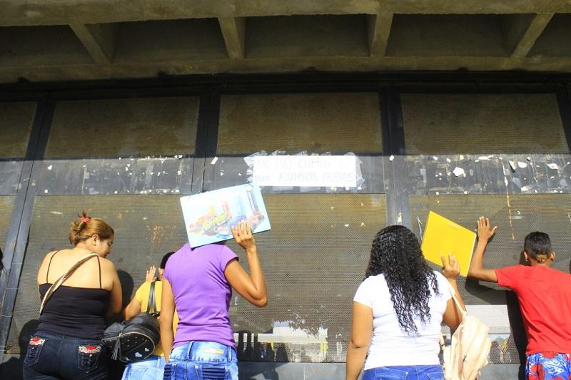 30. 242 alumnos no han finalizado su proceso de su matrícula.   FOTO/ARCHIVO.