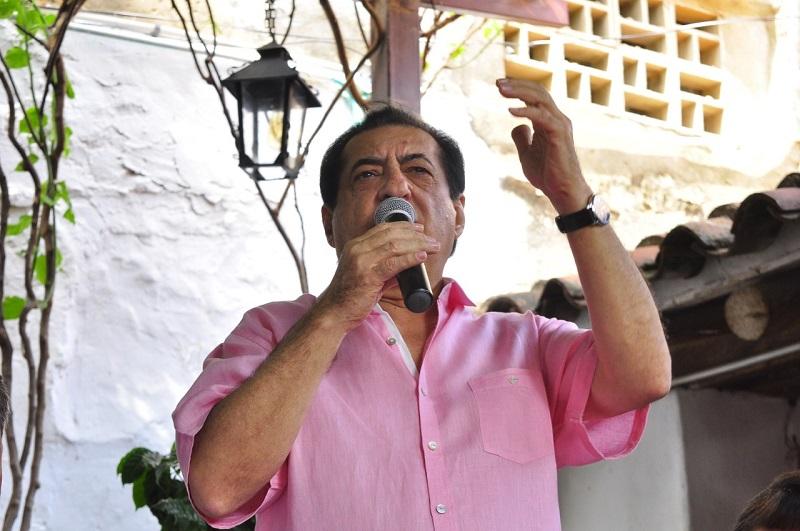 Jorge Oñate ha grabado más de 45 producciones musicales en sus 53 años de trayectoria artística.     FOTO/JOAQUÍN RAMÍREZ.