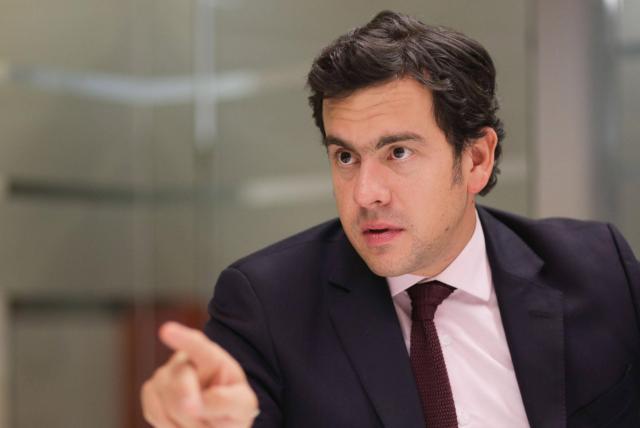 Rodrigo Lara, senador de la república.