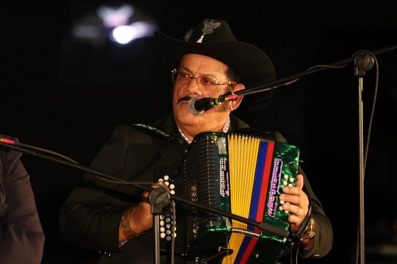 Aníbal Velásquez, creador de la guaracha y primer acordeonero declarado fuera de concurso en el Festival Vallenato.   FOTO: CORTESÍA.