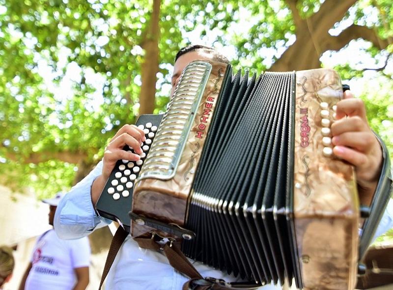 Acordeoneros en el festival vallenato.