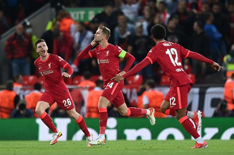 Liverpool de Inglaterra derrotó al AC Milan y sigue en racha ganadora.