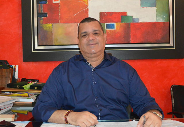 Carlos Robles asumirá la rectoría de la Universidad de La Guajira el 1 de enero de 2022.