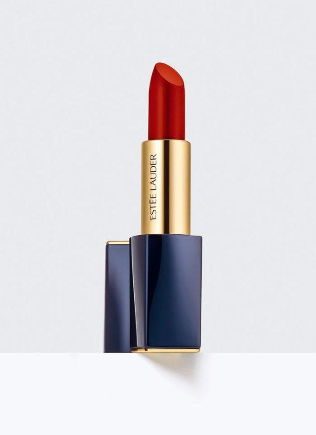 Pure Color Envy Matte Lipstick, EstéeLauder. La colección ofrece colores vibrantes con terminaciones mate creadas especialmente por la modelo Joan Smalls para la marca.