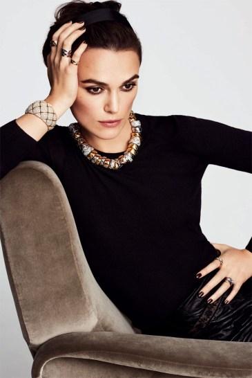 Keira Knightley es la nueva cara de Chanel Fine Jewelry. Una vez más se repite la efectiva alianza entre la actriz británica y Chanel. En este caso fue elegida como la cara de la nueva campaña Coco Rush otoño 2016, que fue realizada por el talentoso fotógrafo peruano Mario Testino.