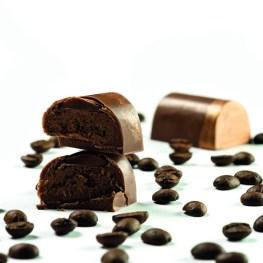 Duhau Pâtisserie ofrece diseños del chef Damián Betular: chocolate, macaron, petit gateaux.