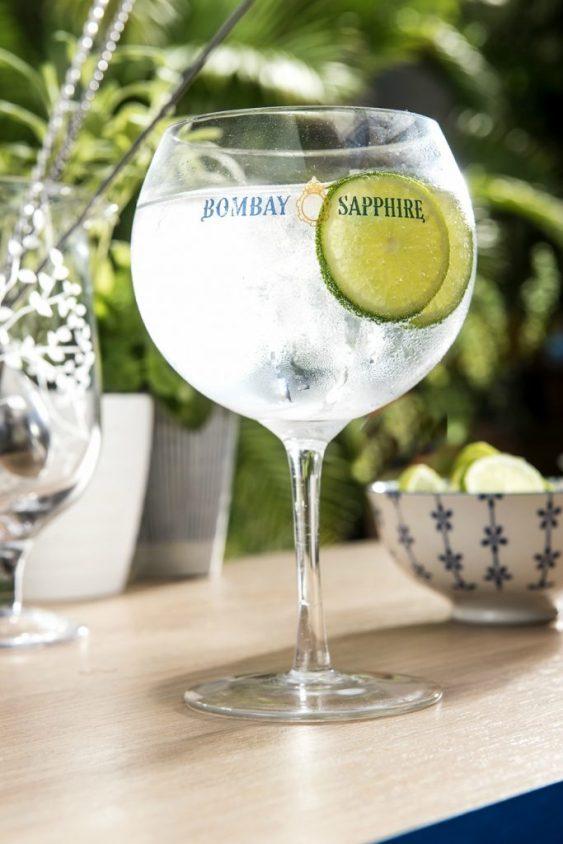 Un delicioso Gin Tónic, y nada menos que hecho por Inés de los Santos.