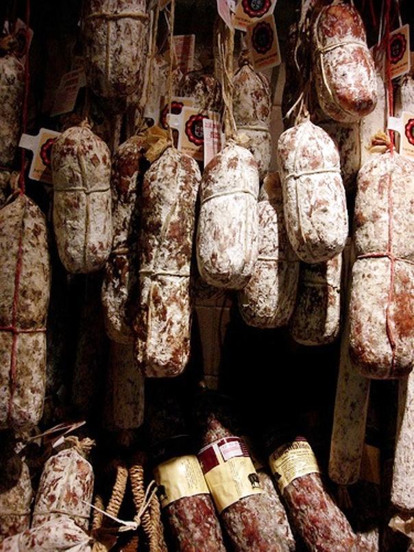 hongos-en-salamines-El-Portal-del-Chacinado