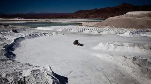 La pugna por el litio: la claudicación del Estado chileno