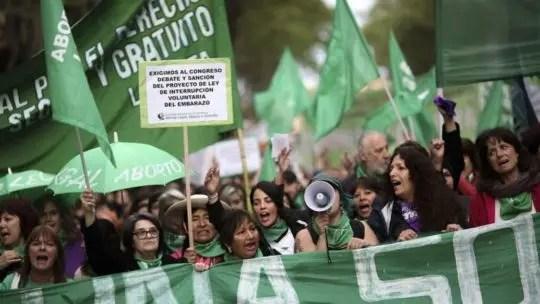 Argentina: ya tiene media sanción la ley de aborto legal, seguro y gratuito.