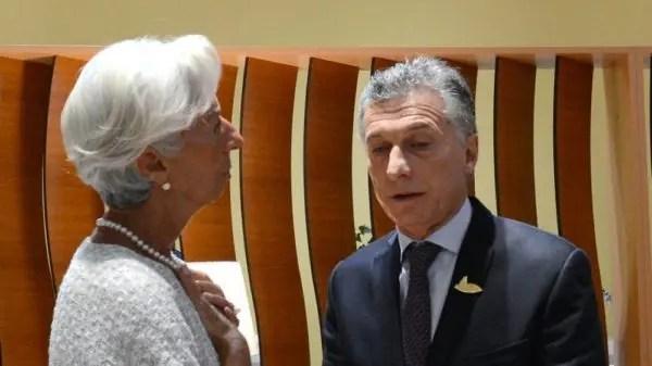 La turbulencia golpea los mercados emergentes mientras el banco central de Argentina aumenta las tasas de interés al 60 por ciento