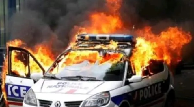 Imparables los Chalecos Amarillos: Francia en estado de insurrección