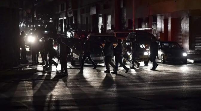 Venezuela bajo ataque: 7 apuntes sobre el apagón eléctrico