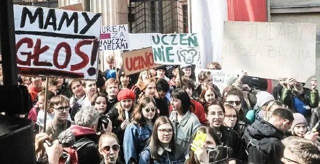Polonia: Huelga de docentes  se enfrenta al desastre social provocado por la restauración capitalista