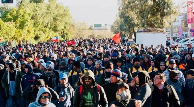 El gobierno contra la pared, ahora enfrenta huelga de más de 3.200 mineros de Chuquicamata