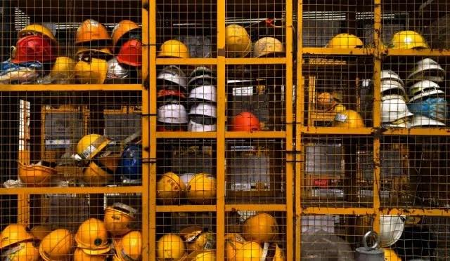 Cifras oficiales del INE: la mitad de los trabajadores gana menos de $400.000