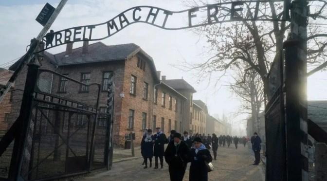 """Theodor Adorno: """"La educación después de Auschwitz"""""""