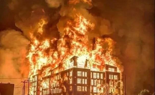 Minneapolis, EEUU: Protestas, incendios y saqueos contra horroroso crimen policial