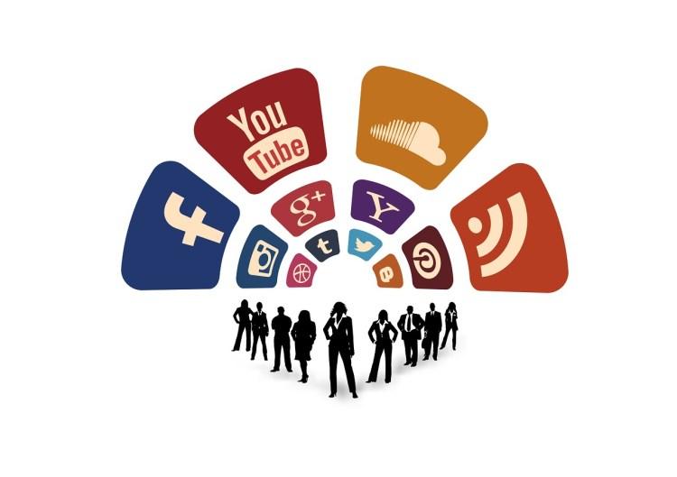 Buscadores y redes compiten también por las noticias. Fuente: pixabay.com