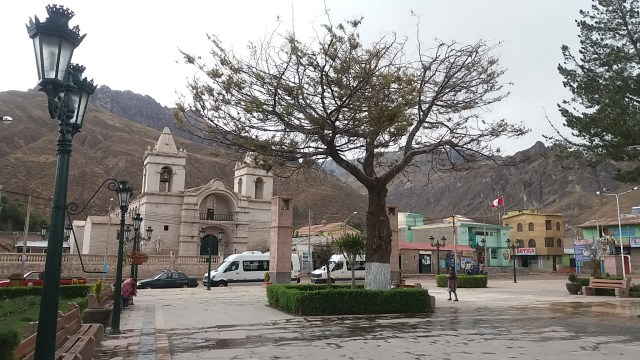 Plaza central de Chivay - Perú