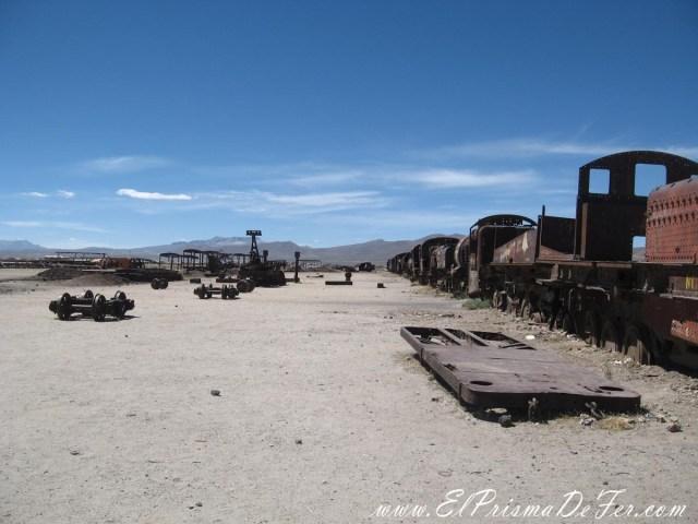 Cementerio de Trenes en Salar de Uyuni