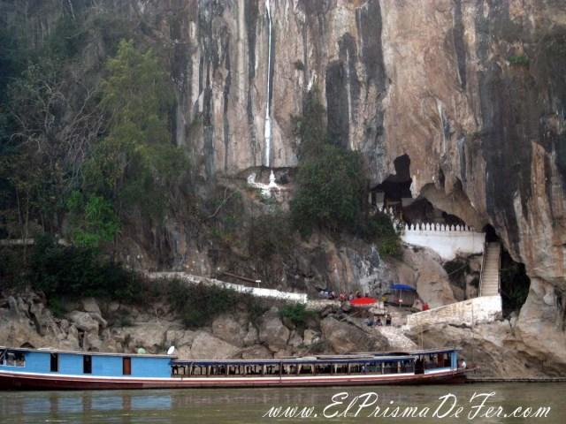 Vista del Buda en la cueva desde el Slow Boat