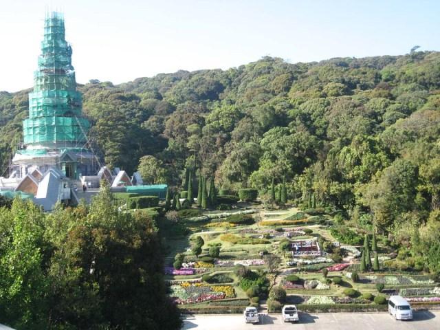 Una de las Pagoda en reparación