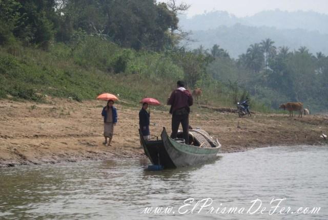 Habitantes de los poblados alrededor del Río Mekong