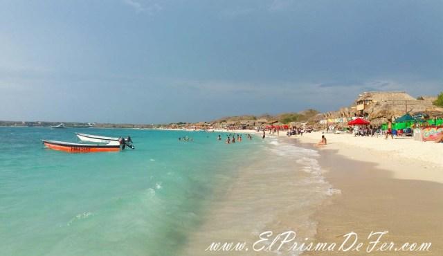 Aguas turquesas en Playa Blanca, Isla Barú